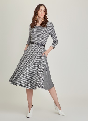 NGSTYLE Kaz Ayağı Desen Jakarlı Elbise Gri